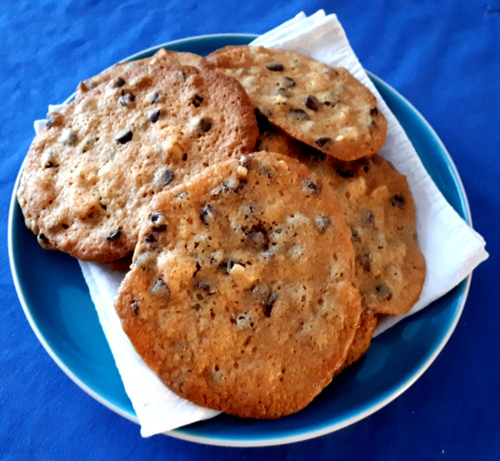 Chocolate Chip And Cashew Nut Cookies Recipe